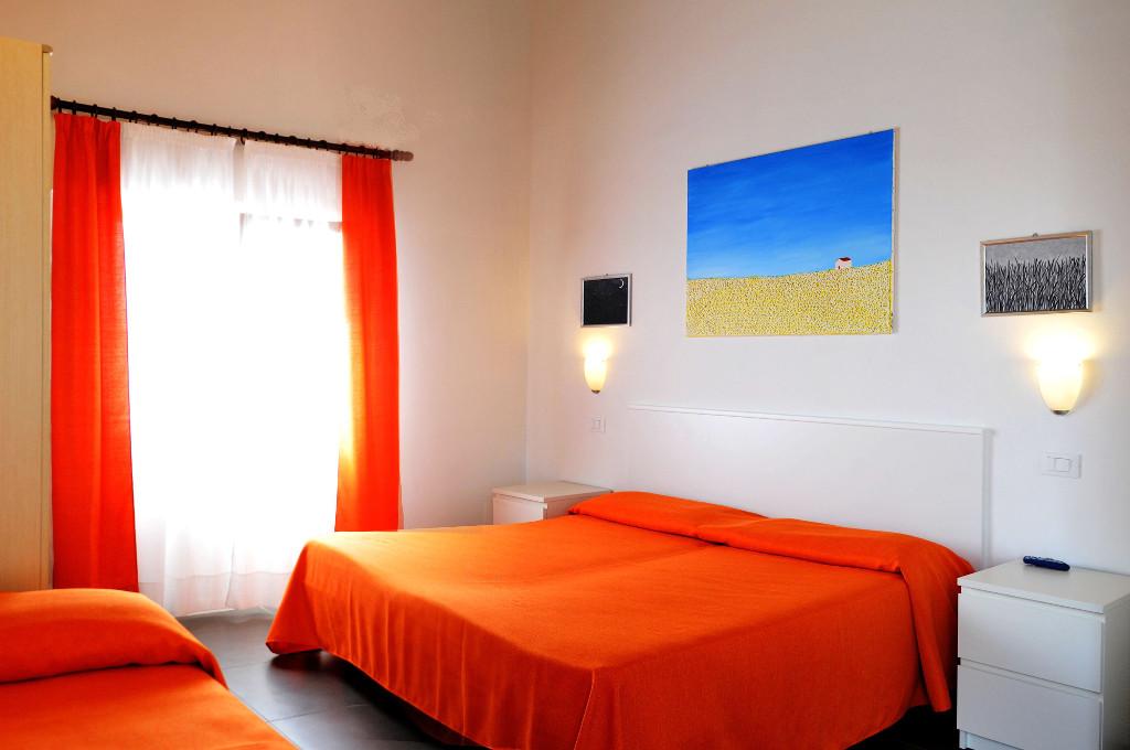 http://www.hotelhelgacaorle.com/wp-content/uploads/2016/01/camera_1024x680-1024x680.jpg